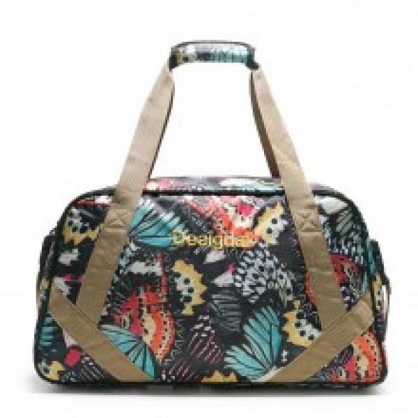 Desigual táska  a560cce699